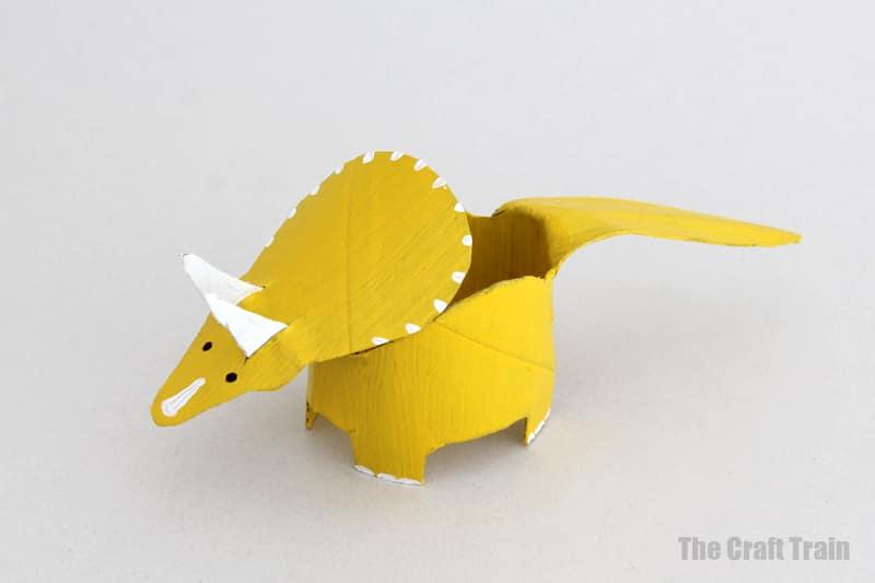 paper roll dinosaur triceratops