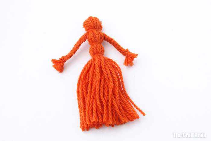 how to make yarn dolls step 6