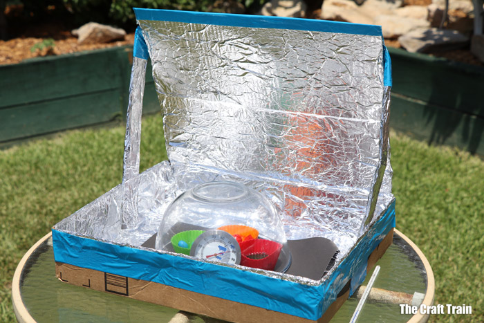 Home made solar oven craft from a recycled cardboard box