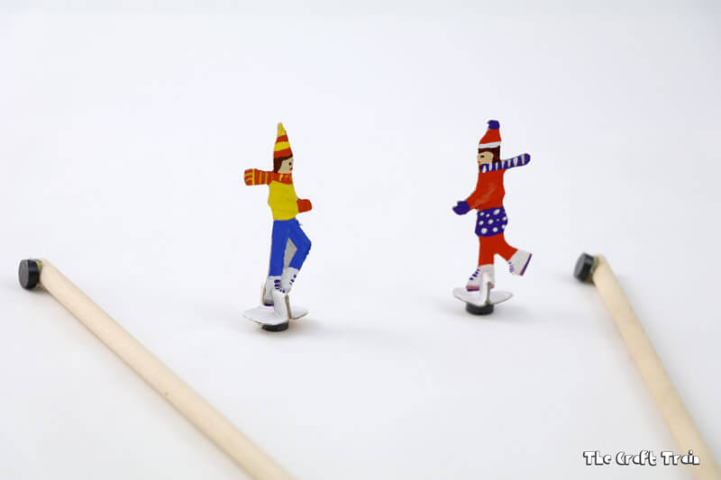 Magnetic ice skating scene! This is a fun DIY toy and steam craft for kids