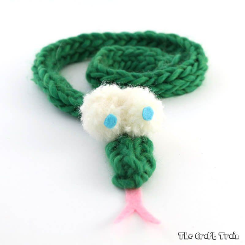 Finger knit snake craft