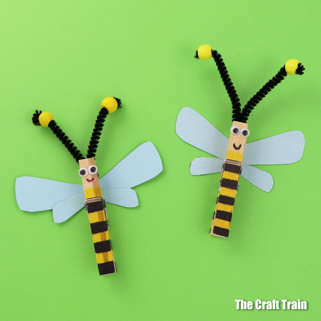 Easy peg bee craft for kids with printable paper wings