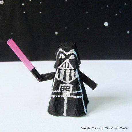 Darth Vader Star Wars craft for kids. Make a Darth Vader minifigure from an egg carton #starwars #kidscrafts #eggcarton #Darthvader