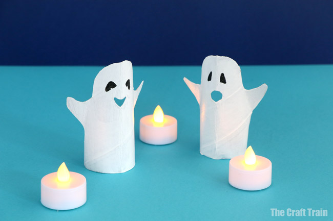 Ghost craft idea, make a paper roll ghost using our printable template. Another easy Halloween craft idea for kids #ghostcraft #halloween #chost #halloweencrafts #paperrolls #toiletrolls #paperrollcrafts #kidscrafts #cardboard