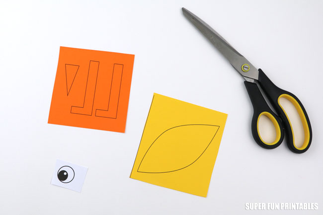paper plate chick craft step 2