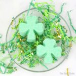 Shamrock bath bombs - easy DIY bath bomb recipe for St Patricks Day. These make great handmade gifts and an amazing fizzy bath experience scented with essential oils #bathbombs, #shamrock, #stpatricksday #diybathbombs #handmadegifts