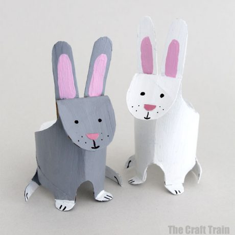 Cute and easy paper roll bunny craft for kids. This is a fun kids activity for Easter, Spring and Earth Day #kidscarfs #easter #spring #earthday #recyclingcraft #paperroll #cardboard #animalcrafts #upcycle #kidsactivities