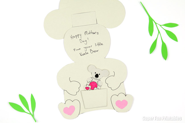 Koala mother and baby card for Mothers Day or any occasion. So cute! Printable template with instructions #kidscards #mothersday #papercrafts #kidsactivities #printablecards #printables