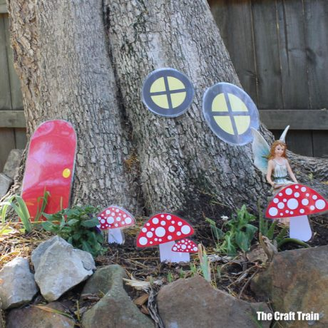 Quick and easy fairy garden idea with printable template #outdoorfun #fairies #fairygarden #printable #fairyprintable #fairycrafts #printablecrafts #gardeningwithkids #fairies
