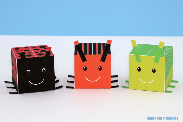 Cube bug craft for kids. Create 3D cubes that look like insects with our printable template #bugs #kidscraft #3Dshapes #cube #minibeasts #printable #math #ladybugcraft #insect #ladybug