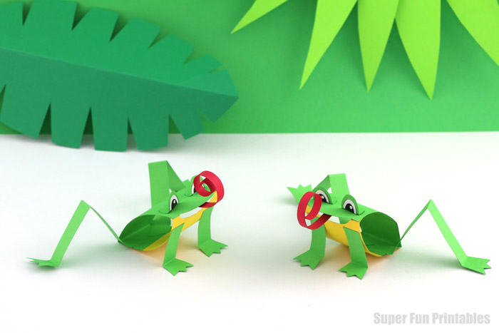 paper green tree frogs