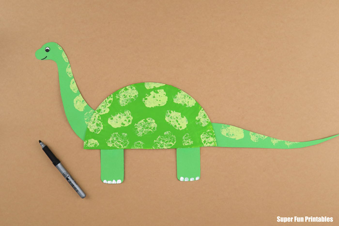 Paper plate dinosaur craft step 7