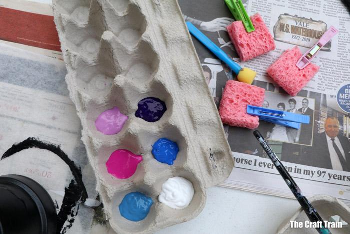 use sponges to dab colour
