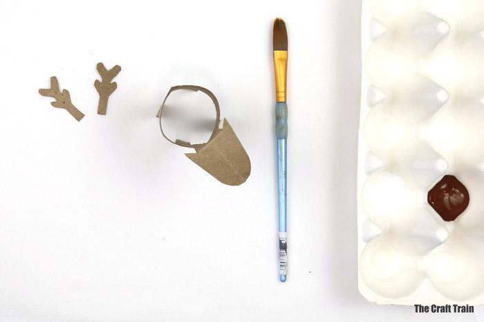 recycled reindeer craft steps